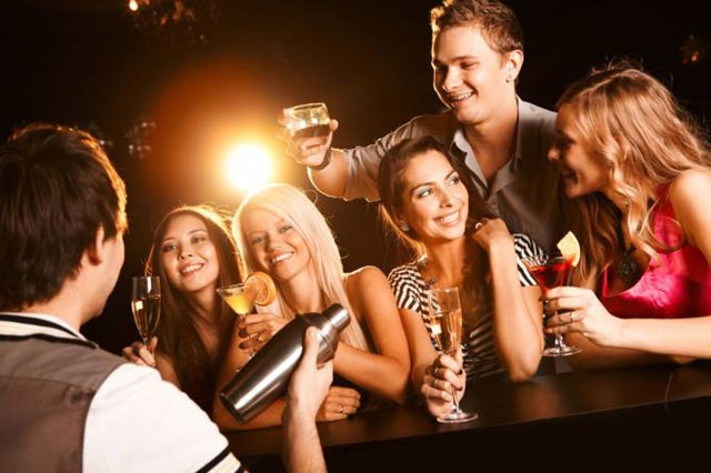 Different Types Of Entertainment Options At Pubs And Bars
