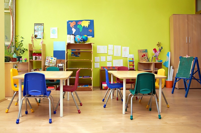 Why Kids Need Study Table & Chair to Avoid Distraction?