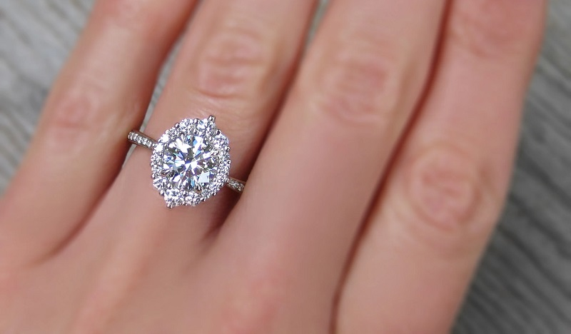 Lab Grown Engagement Rings Are The Best Buy Within A Budget