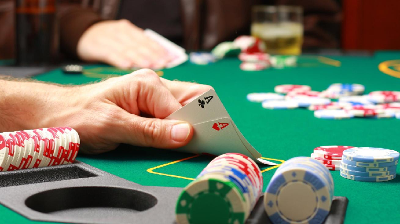 The Advantages of playing online QQ Poker Site Gambling for Official Bettors